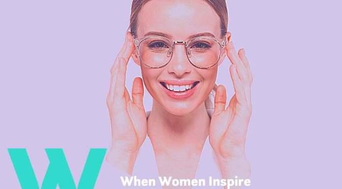 女性时尚眼镜