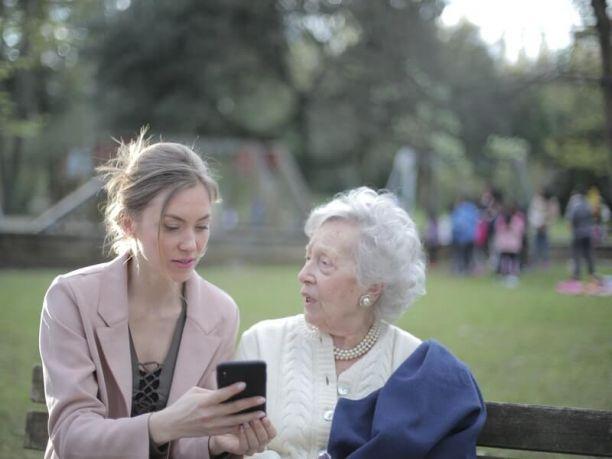 Comment parler aux parents âgés de l'aide à la vie autonome
