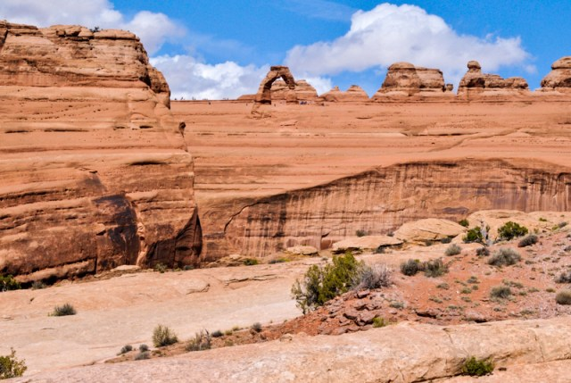Arches National Park in Southern Utah is one of the most iconic places in the state. Find out what not to do on the hike to Delicate Arch.