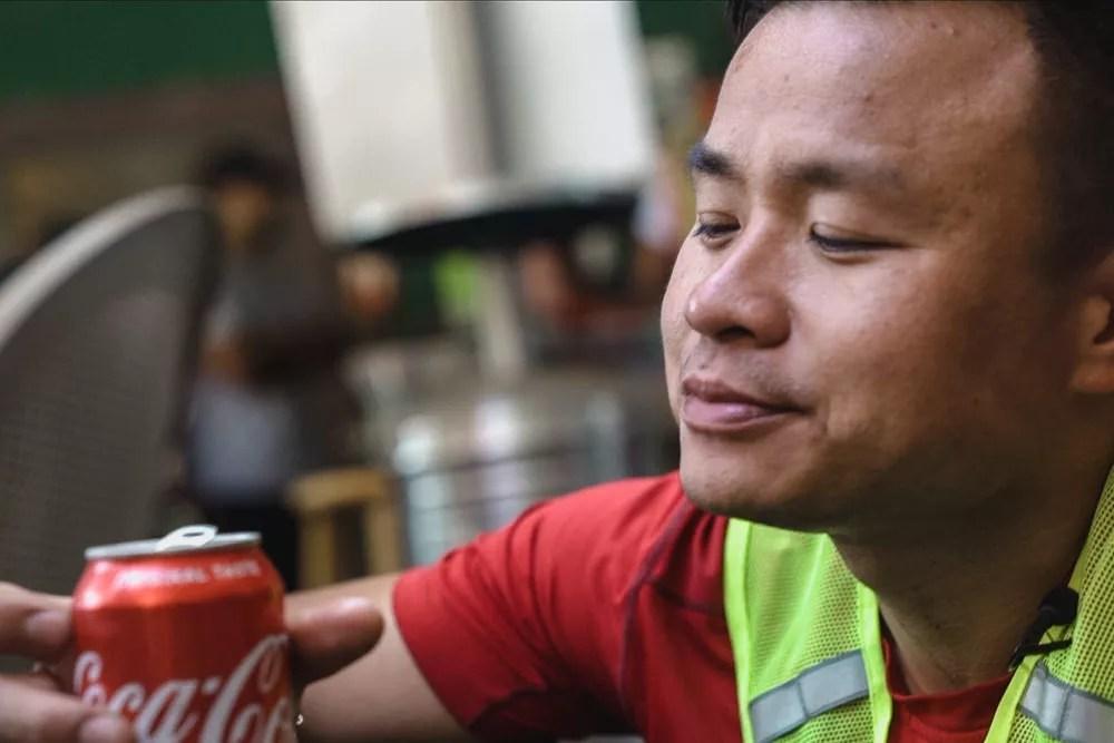 SISU Iron Racer Resting and drinking coke