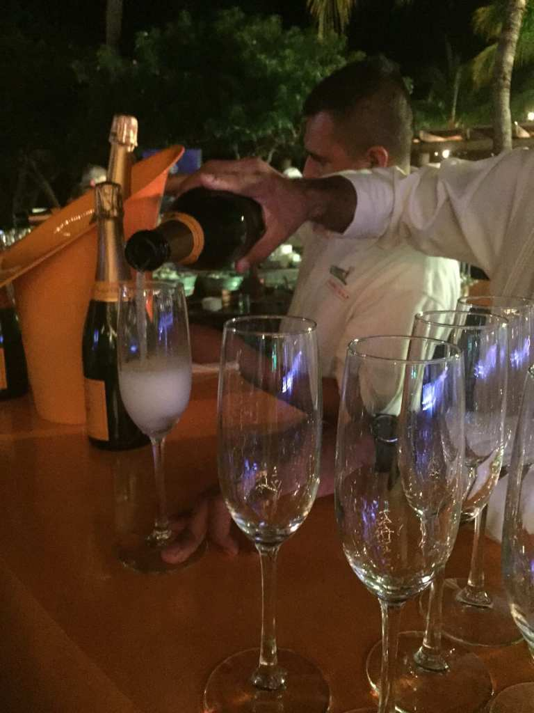 Bubbly flows in Punta Mita