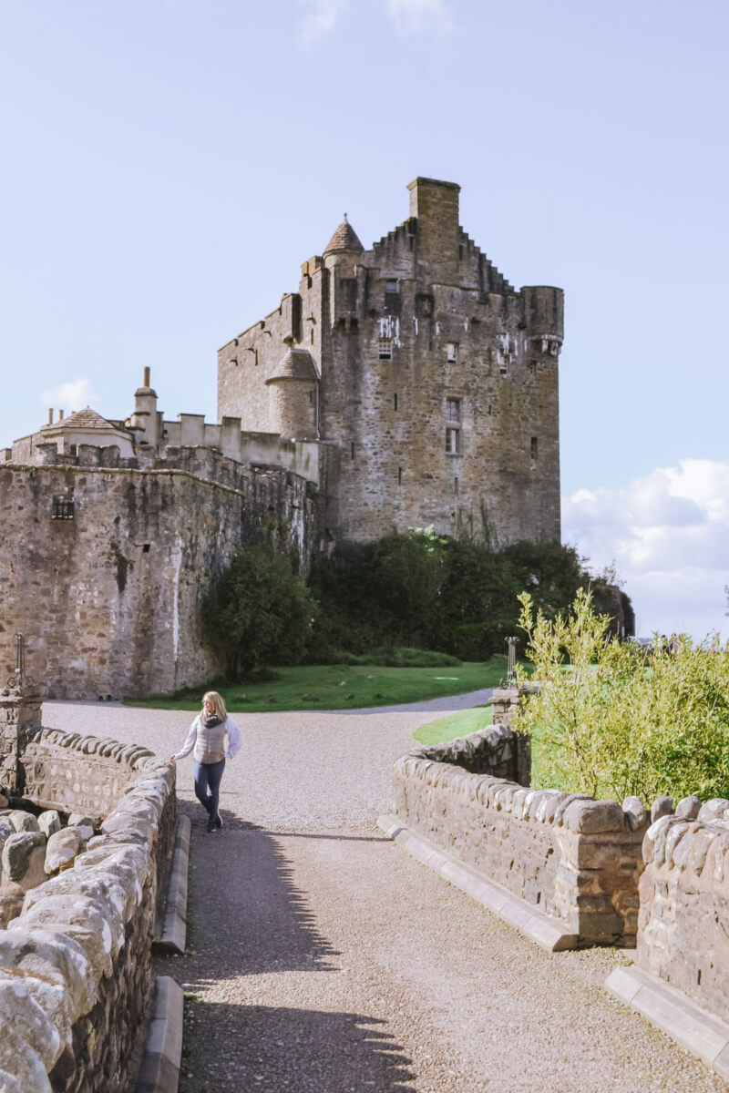 image of Eilean Donan castle in Scotland