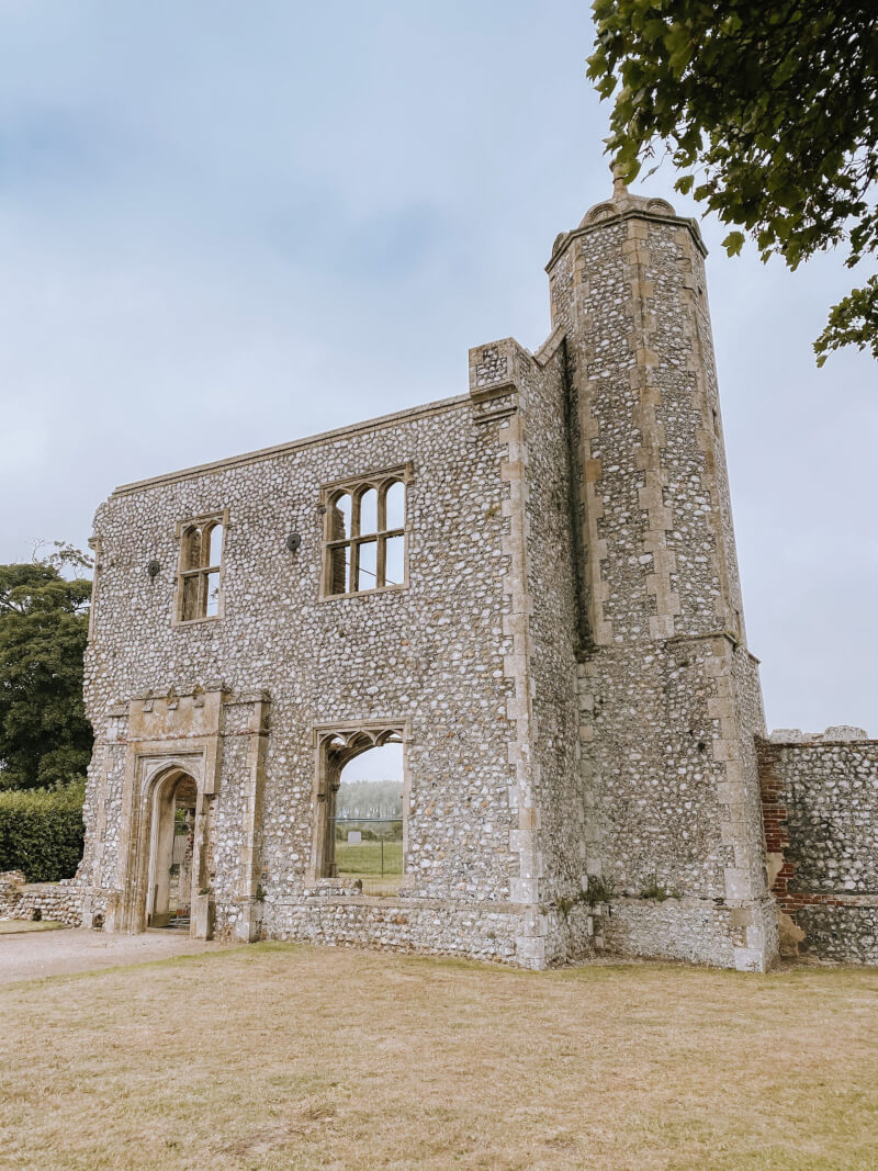 image of the gatehouse at Baconsthorpe castle in Norfolk