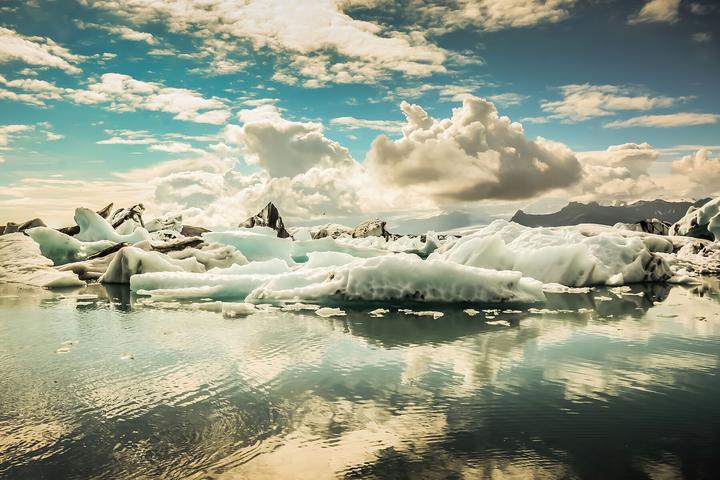 Crossing - Jokulsarlon, Glacier Lagoon, Iceland