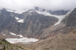 Edith Cavell moutain and Angel Glacier