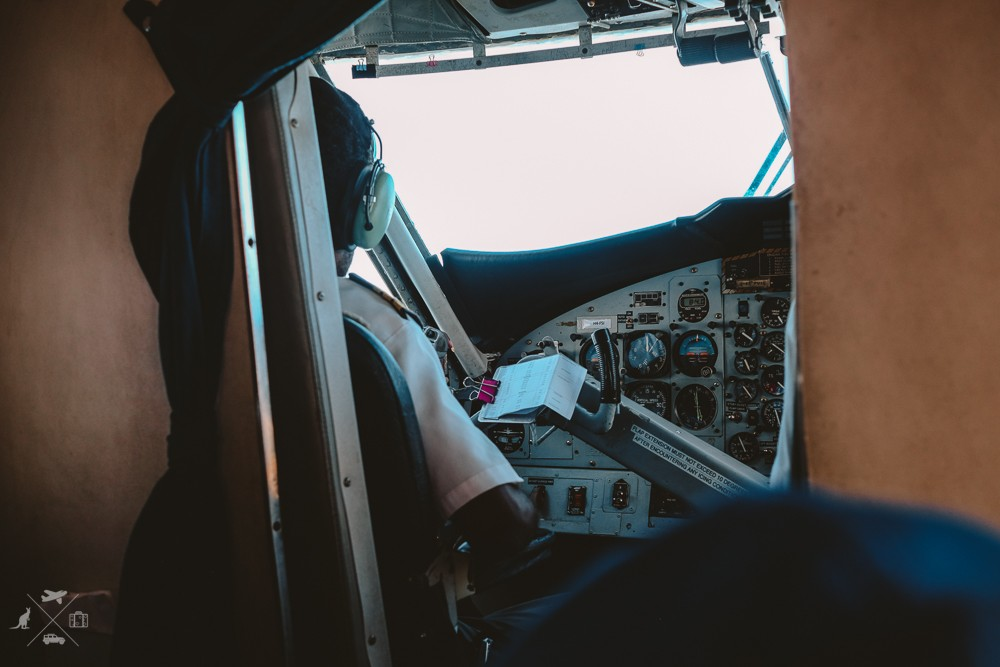 Kabina pilota w samolocie linii Solomon Airlines