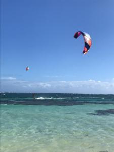 Cap Chevalier, Martinique, flat spot