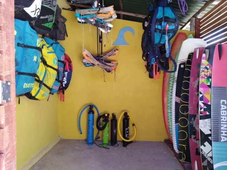 Kite storage à la pousada Kiterhina, Macapa, kitetrip Brésil