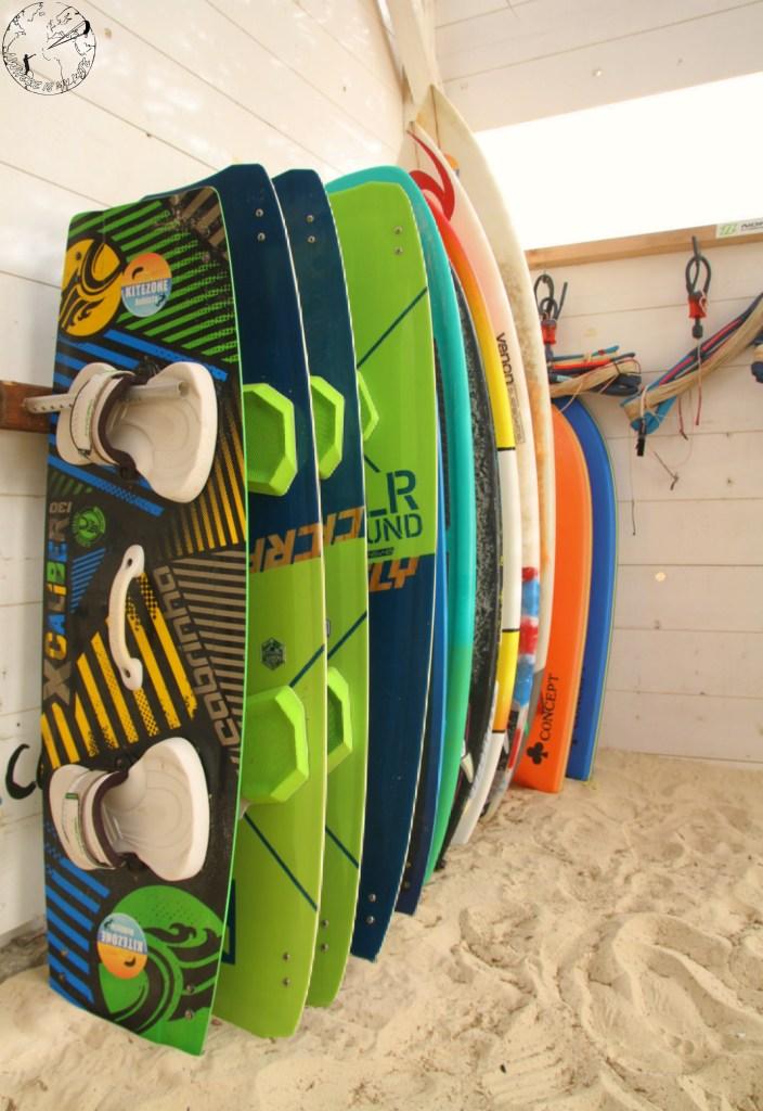 Kitezone Bubista twintip à dispo pour les cours, école de kite surf à Boa Vista au Cap Vert, CrazyFly, Duotone, North, strapless