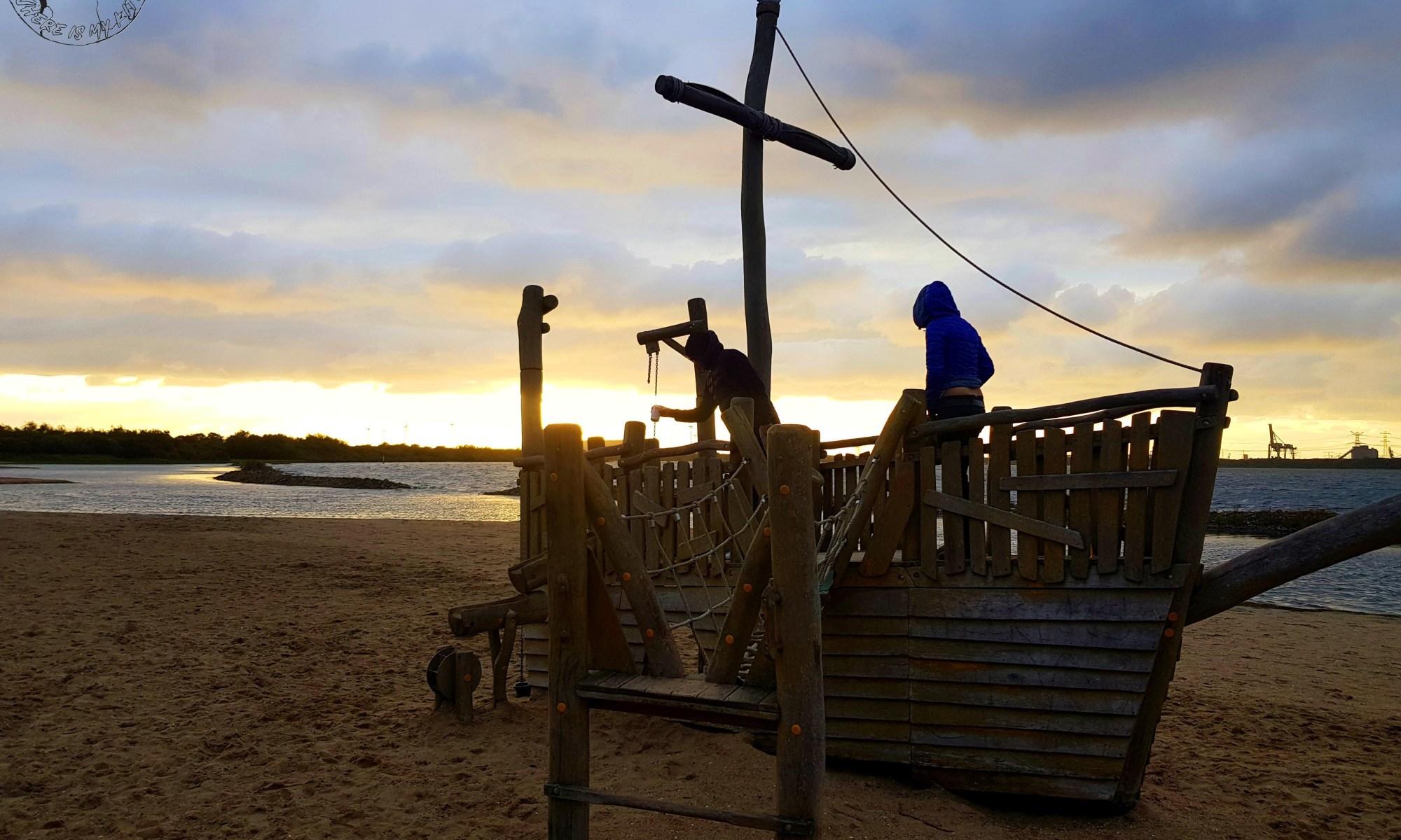 Spot de kitesurf en Hollande, Ostvoorne, kite trip en van, spot de camping bateau pirate à côté du lac