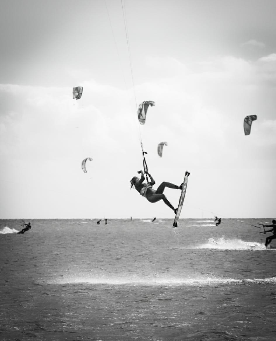 Shooting photo de Marjo sur le spot de kite de Mirns