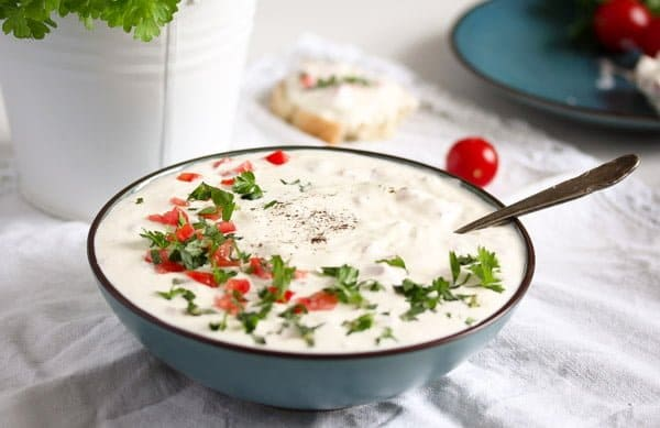 garlic sauce with sour cream
