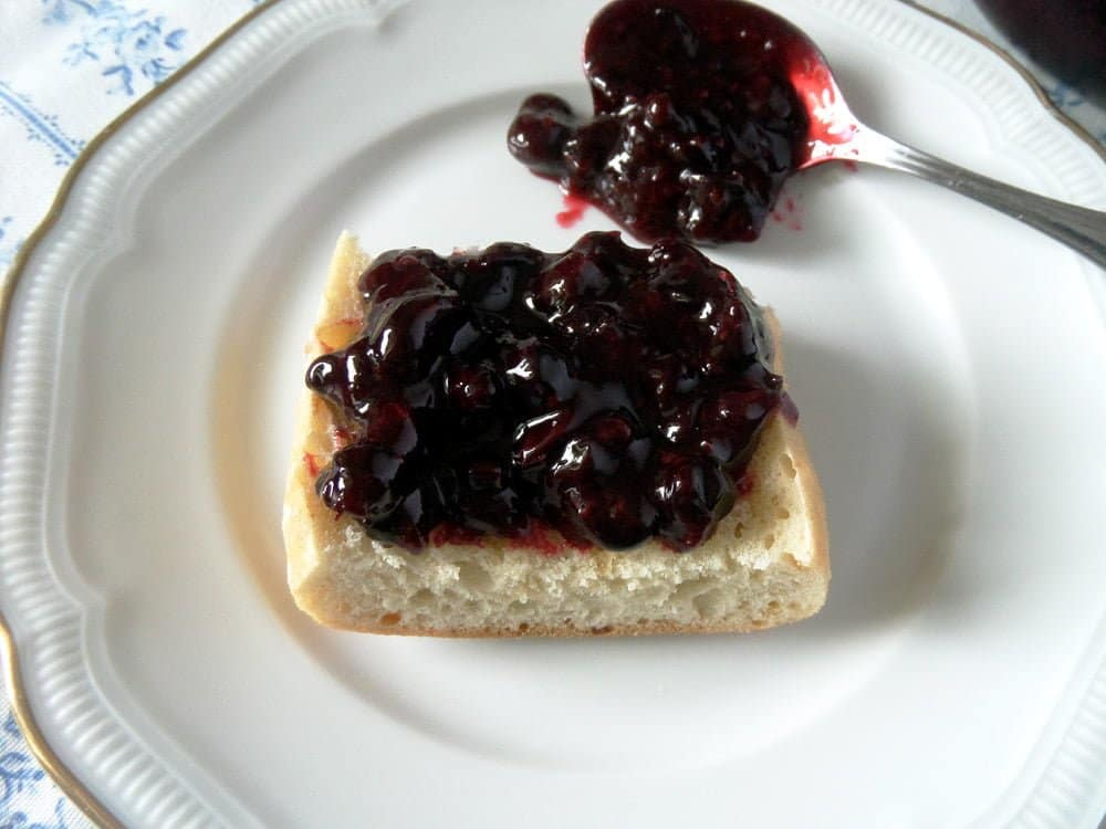 black currant refrigerator  Healthy Black Currant Refrigerator Jam with Agave Syrup