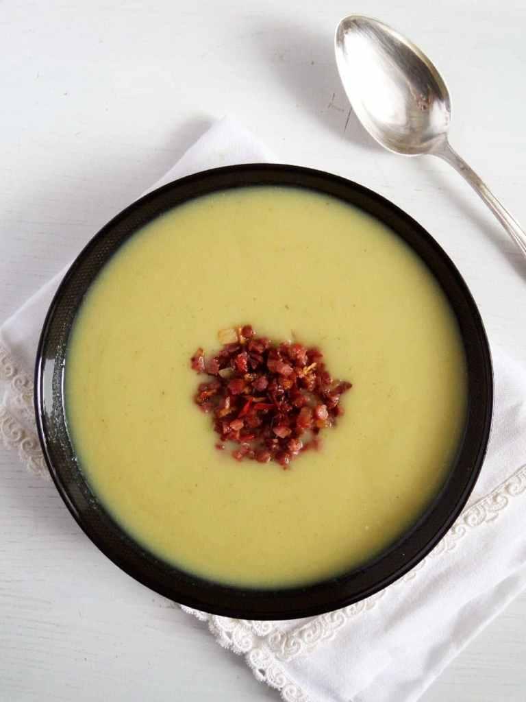 jerusalem artichoke soup 768x1024 Creamy Sunchoke Soup with Sambal Oelek Bacon Topping