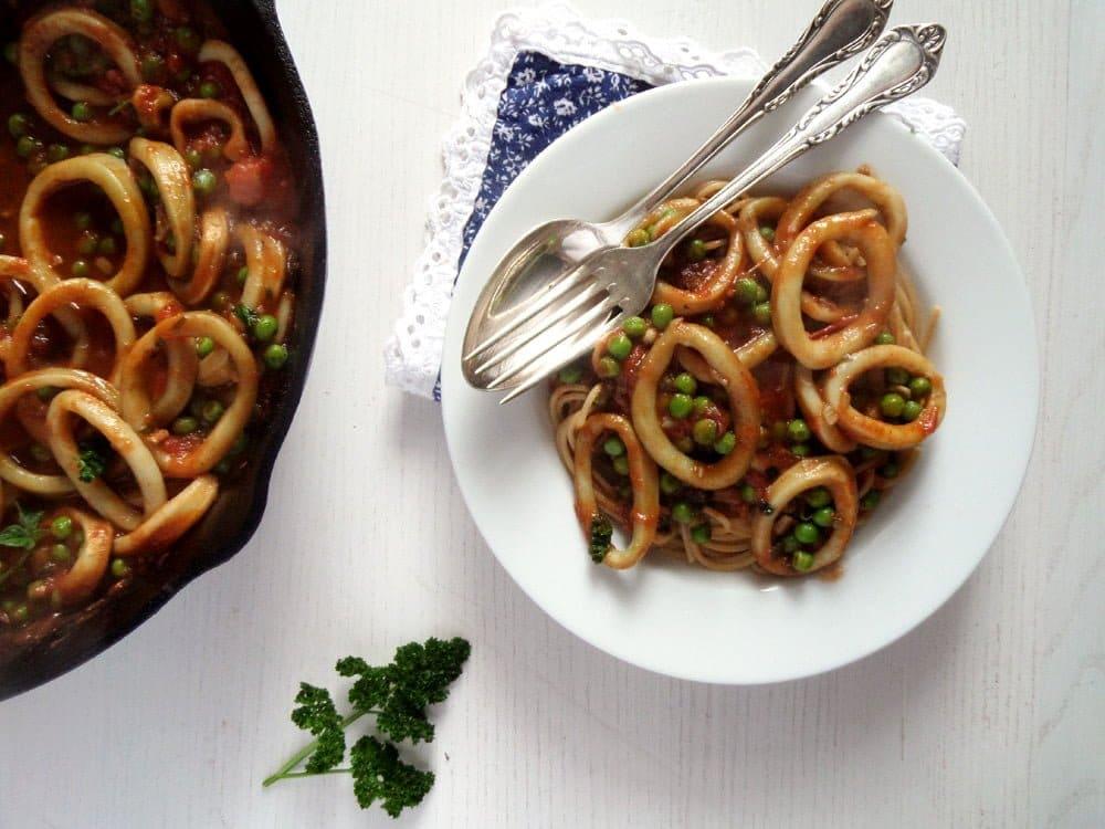 spaghetti calamari Spaghetti with Calamari and Peas with Tomato Sauce