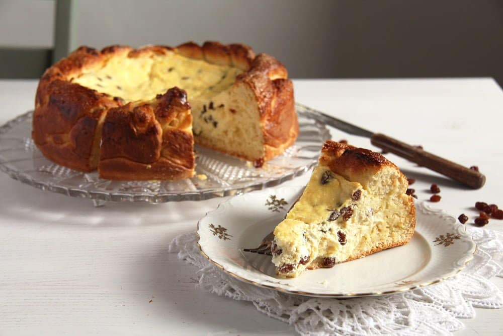 romanian cheesecake pasca Romanian Easter Cheesecake with Quark and Raisins – Pasca Recipe