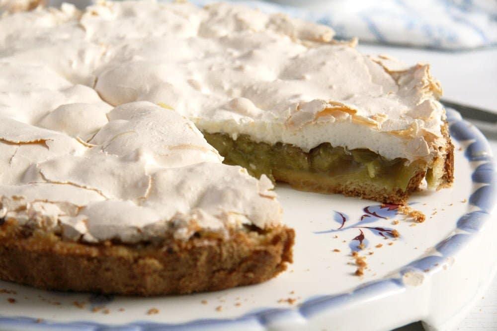 rhubarb pie meringue best The Best Rhubarb Meringue Pie   German Recipe