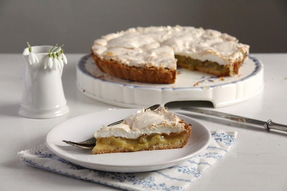 rhubarb pie 15 Favorite Cakes and Desserts