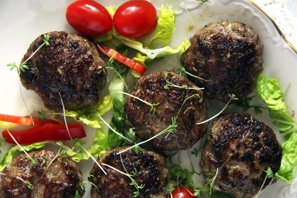 zucchini meatballs salad Juicy Zucchini Beef Meatballs with Parmesan