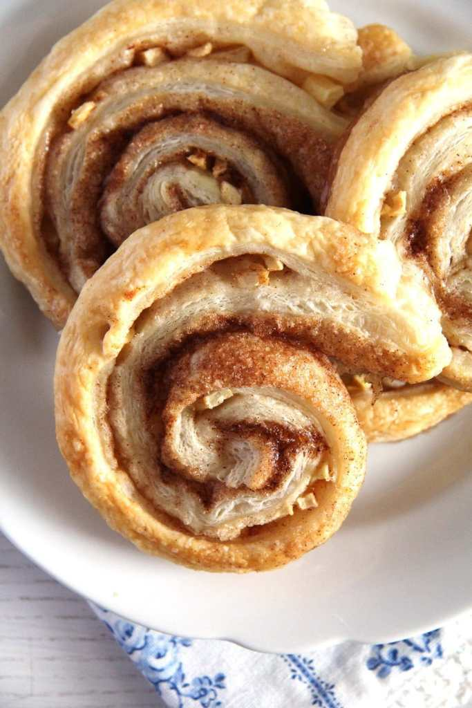 apple puff rolls 683x1024 Quick and Easy Apple Puff Pastry Rolls
