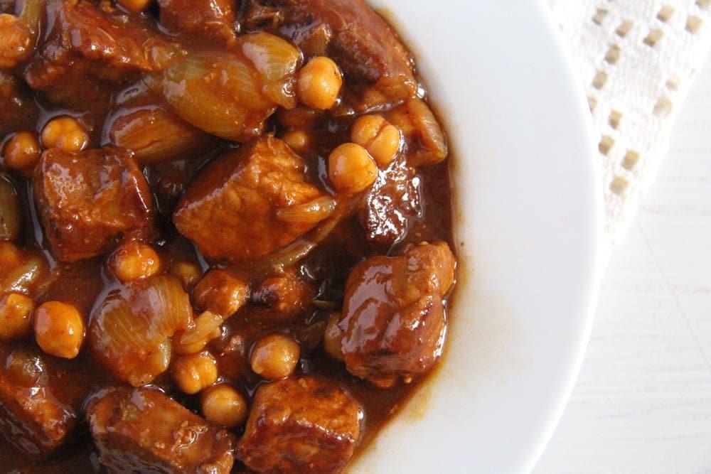 onion stew chickpeas Onion Pork Stew with Chickpeas and Beef Bone Broth