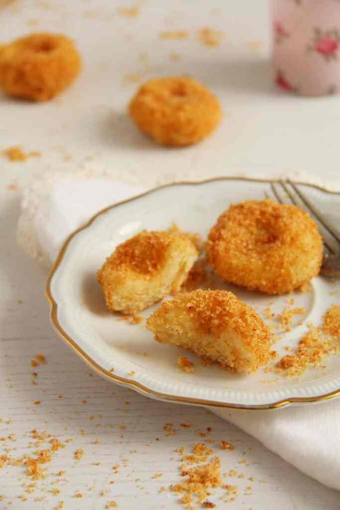 cheese dumpings 683x1024 Romanian Cheese Dumplings – Papanasi fierti