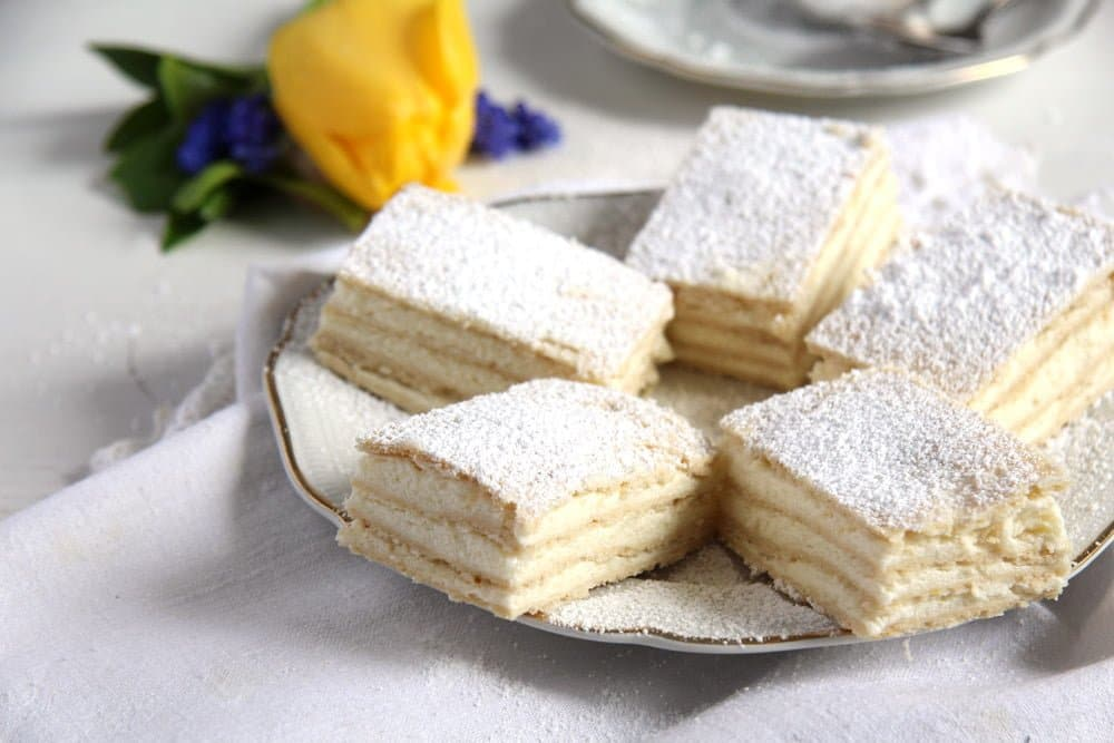 romanian lemon cake butter Romanian Lemon Cake – Lamaita