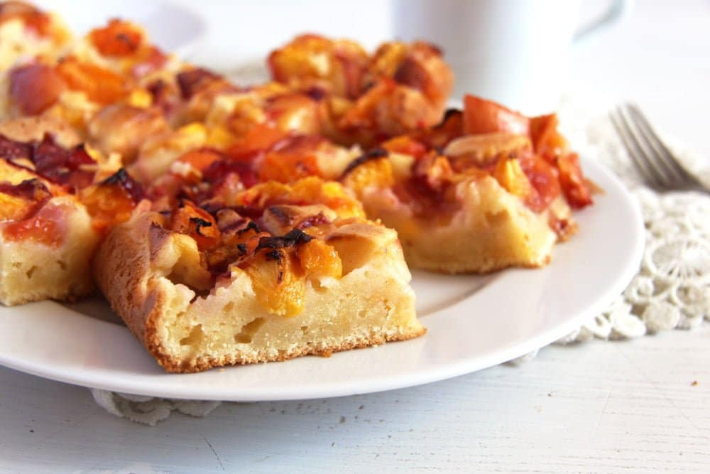 nectarine cake slices