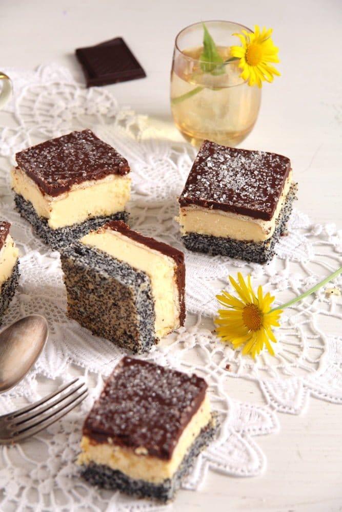 poppy vanilla cake Vanilla Poppy Seed Cake with Chocolate Glaze – Romanian Tosca Cake