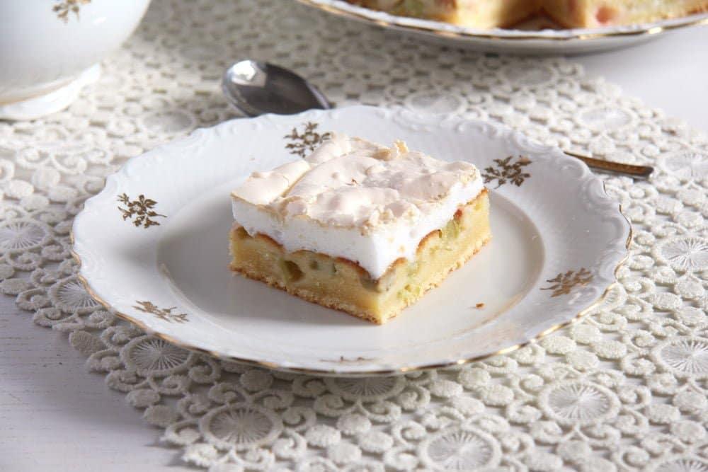 rhubarb meringue cake easy Rhubarb Meringue Cake   Romanian Cake Recipe