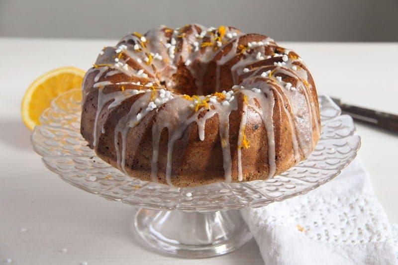 bundt cake ed 1 Orange Bundt Cake with Chocolate, Raisins and Almonds