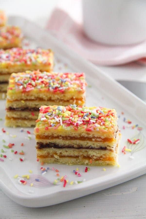 jam cake arlechin ed 3 Layered Cake with Jam Filling – Romanian Cake Harlequin