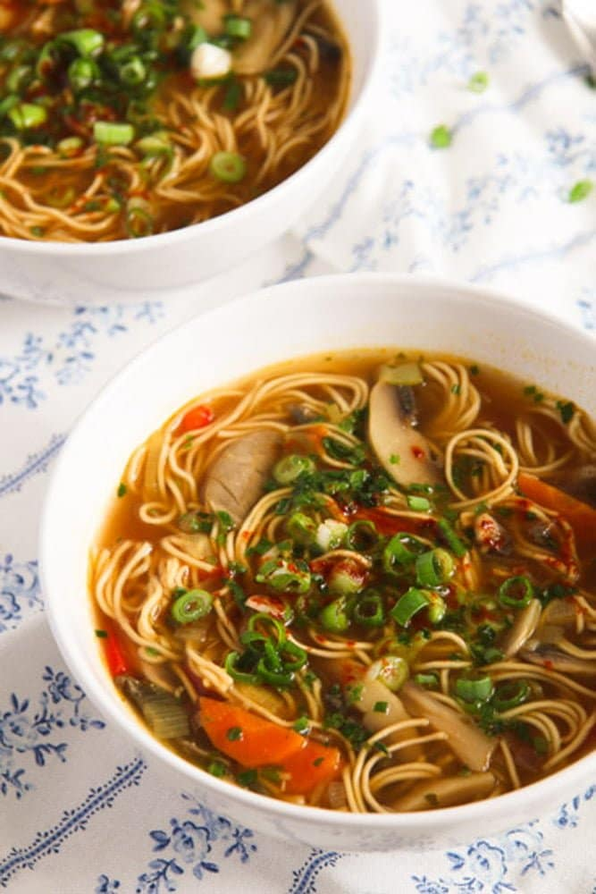 mushroom noodle soup3 Quick and Spicy Mushroom Egg Noodle Soup