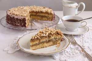 %name Almond Cake with Coffee Caramel Buttercream – Polish Tort Migdalowy