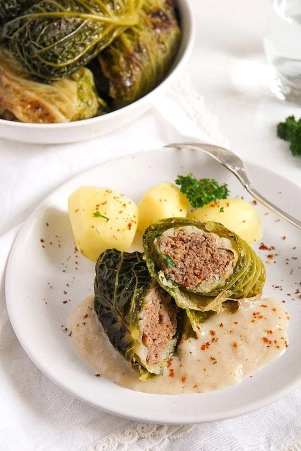 savoy cabbage rolls 1 Easy Stuffed Savoy Cabbage with Minced Meat – German Recipe