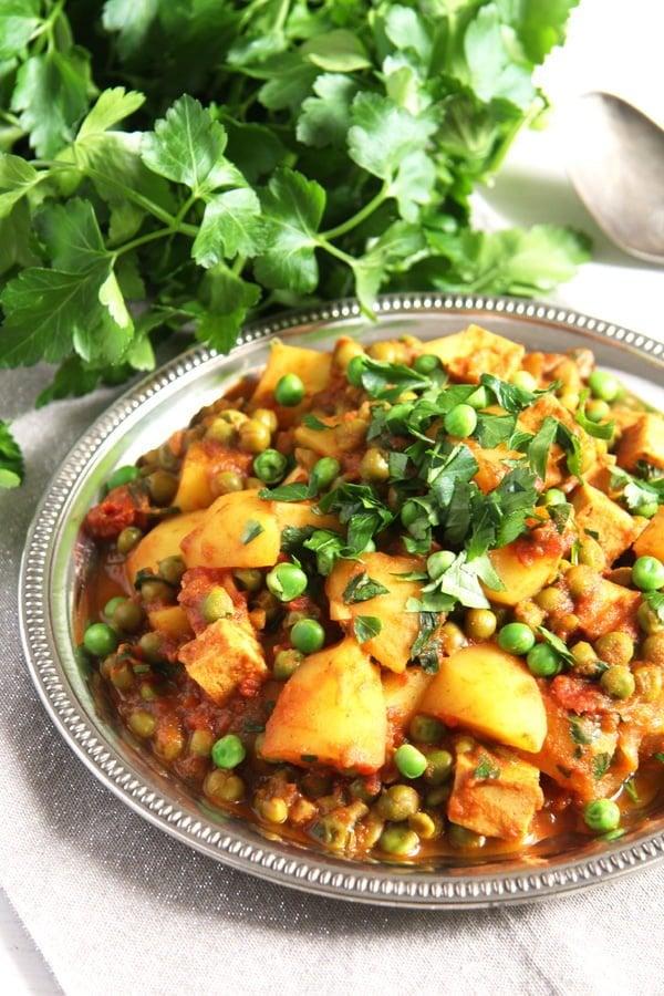 potato pea curry 7 Vegan Potato Curry Recipe with Tofu, Tomatoes and Peas