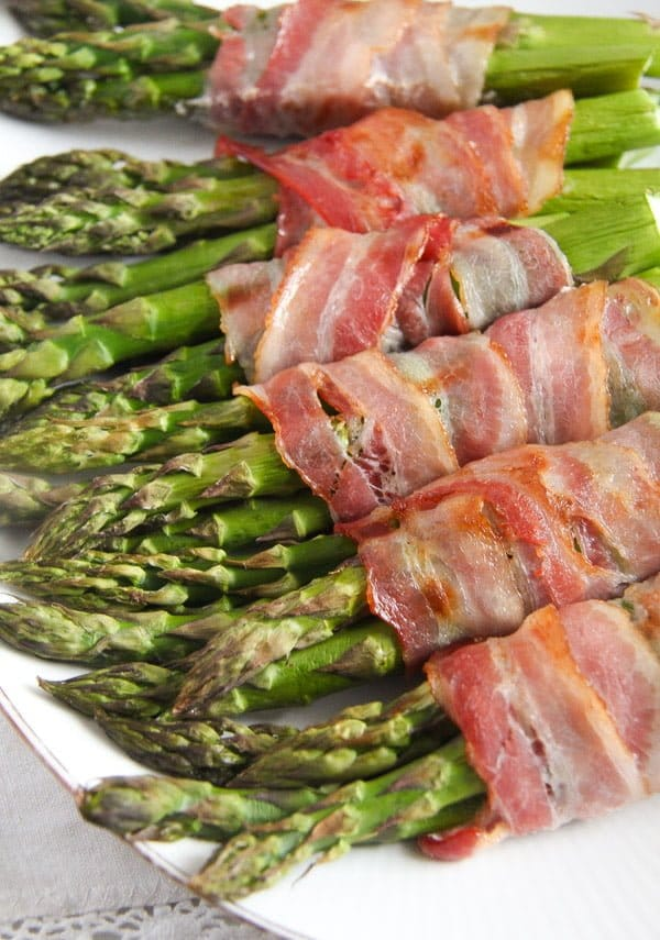 bacon wrapped asparagus 12 Bacon Wrapped Asparagus   Oven Baked Asparagus Recipe