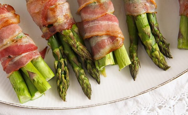 bacon wrapped asparagus 9 Bacon Wrapped Asparagus   Oven Baked Asparagus Recipe