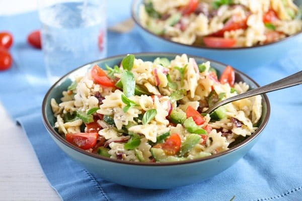 greek pasta salad 8 Greek Pasta Salad – with Green Bell Pepper and Feta