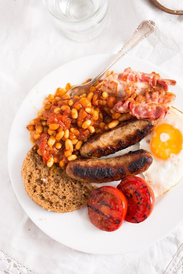 english breakfast 9 Full English Breakfast – English Food – with Baked Beans Recipe