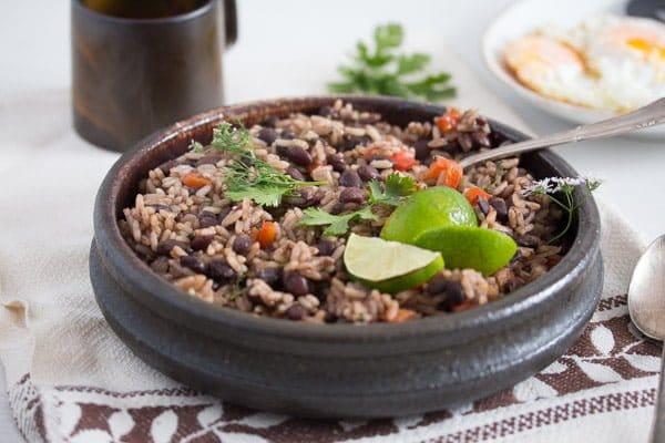 gallo pinto 6 Gallo Pinto – Black Beans and Rice Recipe – Costa Rican Food