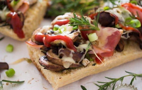 polish zapiekanka toasted baguette mushrooms