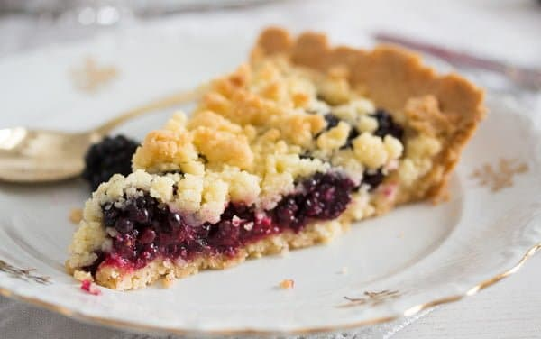 blackberry pie recipe 14 Easy Crumb Crust Pie with Blackberries and Crumble Topping