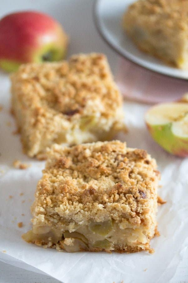 apple cake with streusel 9 Apple Crumble Cake with Sour Cream – German Apple Streusel Cake
