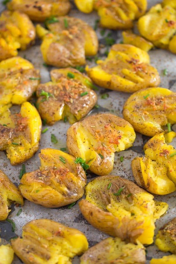 smashed potatoes 4 How to Make Garlic Smashed Potatoes – Potato Side Dishes