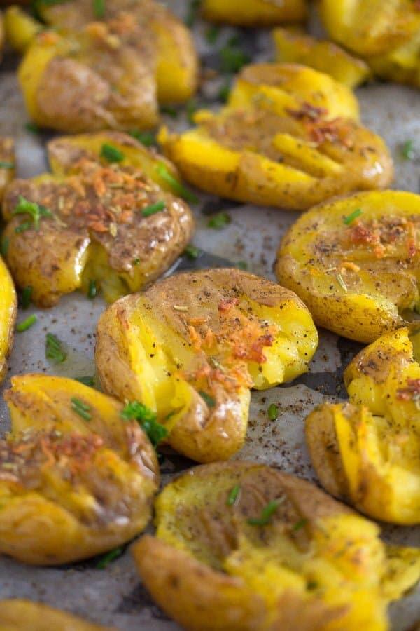 smashed potatoes 5 How to Make Garlic Smashed Potatoes – Potato Side Dishes
