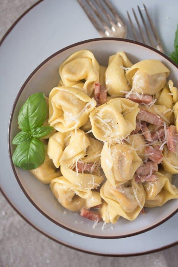 tortellini in cream sauce Cheese Tortellini in Cream Sauce with Ham and Basil