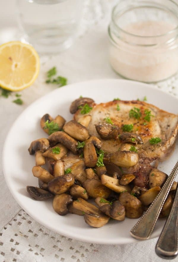 mushroom sauce for steak 6 Best Sauteed Mushrooms for Steak – with Garlic and Parsley