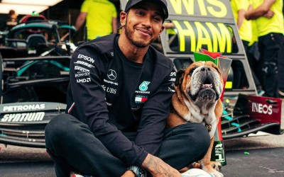 Lewis Hamilton Signs Contract Extension With Mercedes For 2021 F1 Season