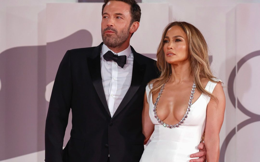 """BEN AFFLECK AND JENNIFER LOPEZ LOOK STUNNING AT THE WORLD PREMIERE OF """"THE LAST DUEL"""" AT THE VENICE FILM FESTIVAL"""
